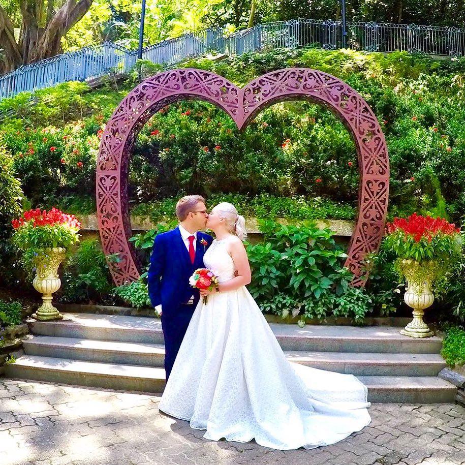 Bride and Groom Wedding in Hong Kong